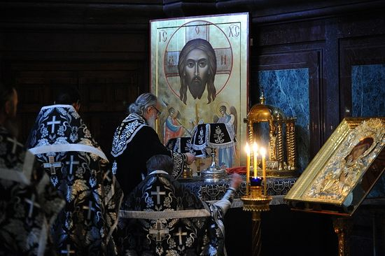 His Holiness Patriarch Kirill serving the Liturgy of the Presanctified Gifts. Photo: Patriarchia.ru