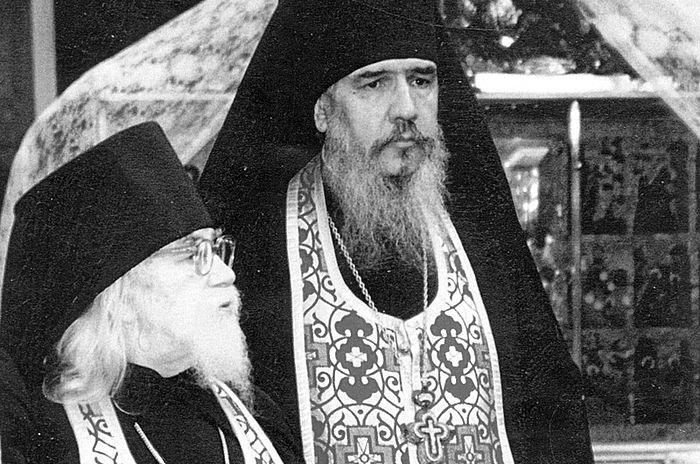Архимандрит Иоанн (Крестьянкин) с архимандритом Антонием (Гулиашвили)