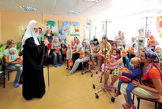 Посещение НИИ детской онкологии. Пасха, 2011 год