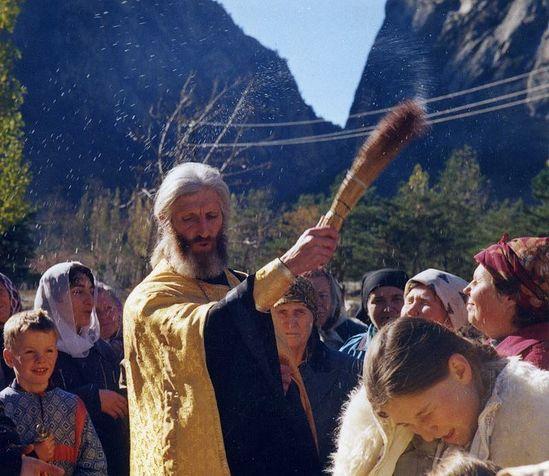 Fr. Igor Rozin Serving a moleben.