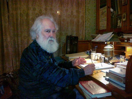 Писатель Борис Федорович Споров