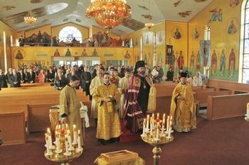 Божественная литургия в Михаило-Архангельском храме г. Редфорд (штат Мичиган)