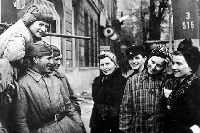 Немецких баб ебет русский солдат