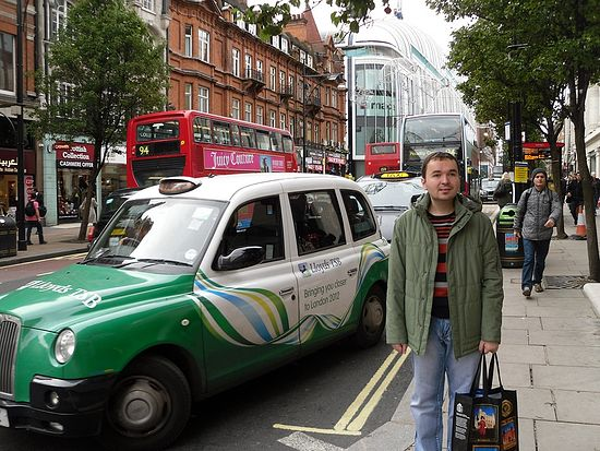 Дмитрий Лапа. Лондон, улица Оксфорд-Стрит. Фото: Ирина Лапа