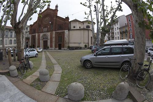 Базилика свт. Симплициана находится в сердце модного района Брера.