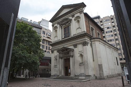 Первые упоминания о храме на этом месте относятся к XII веку, но современная церковь более поздняя, барочная. Она долгое время была в запустении, и была отреставрирована в начале 2000-х.