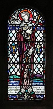 Витраж с изображением св. Колумбы в монастыре на о. Айона. Фото Мартина Бёрнса.