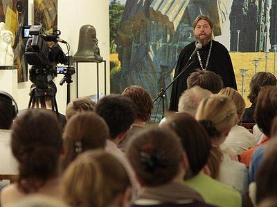 Встреча с архимандритом Тихоном в Галерее искусств Зураба Церетели