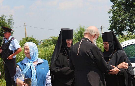Тем временем гости и хозяева готовятся перебираться в Нальчик. Фото: Православие.ru