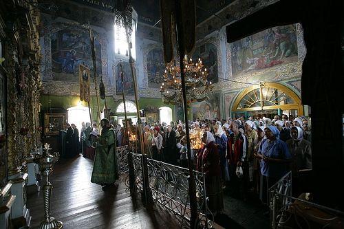 Божественная литургия в Тихвинском храме. Павлово село. Фотография Василия Нестеренко