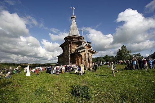 Деревянный храм в честь св. пророка Божия Илии. Село Ивановское-на-Лехте.