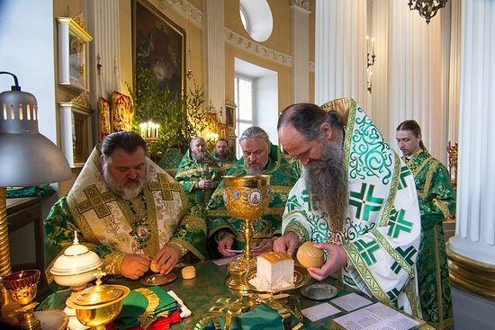 Праздник Святой Троицы в Александро-Невской Лавре. Фото: Lavra.spb.ru