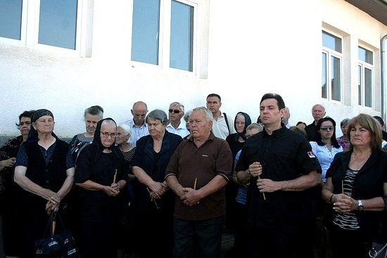 Уже 14 лет сербы из села Старо Гацко в Косово и Метохии оплакивают жертв кровавой расправы, произошедшей здесь 23 июля 1999 года.