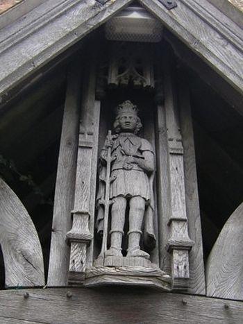 Изображение св. Кенелма в покойницкой при кладбище храма св. Кенелма в Ромсли