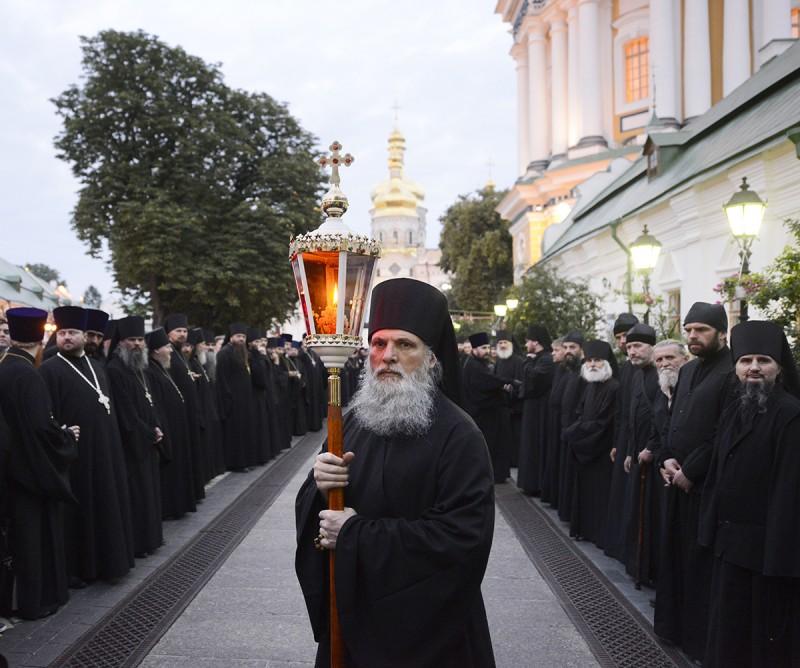 http://www.pravoslavie.ru/sas/image/101268/126819.b.jpg