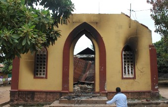 A Methodist church burned in Nzérékoré. Photo: World Watch Monitor.