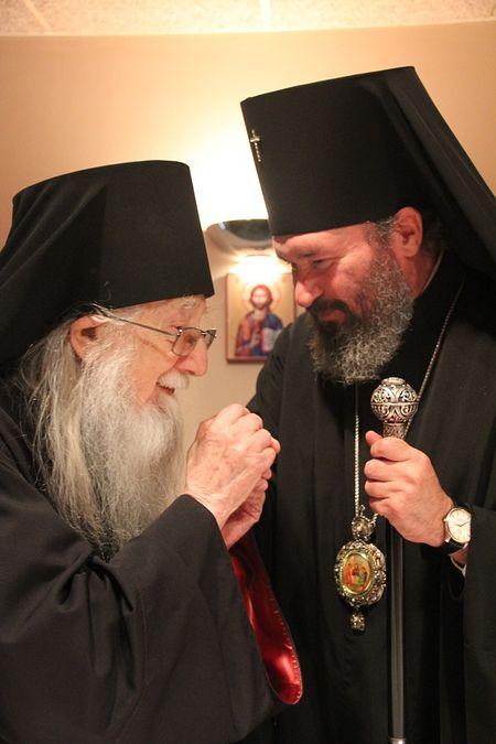 Архиепископ Наро-Фоминский Юстиниан со старейшим клириком Патриарших приходов архимандритом Илией (Барна)