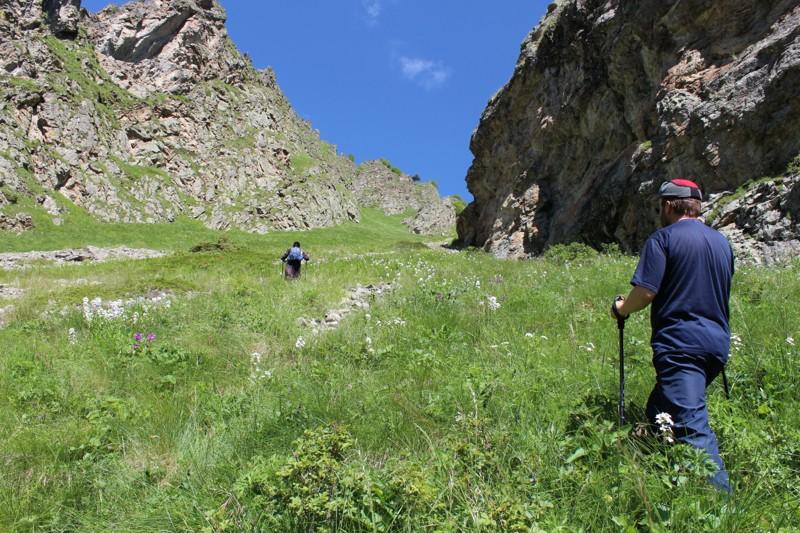 Выход на вершину. Без альпинистских палок здесь было бы трудновато