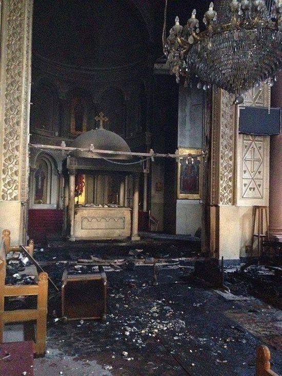 Церковь святого Георгия в Сохаге после погрома и пожара