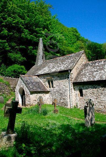Церковь св. Беуно в Калбоне, Сомерсет - самая маленькая приходская церковь в Англии.