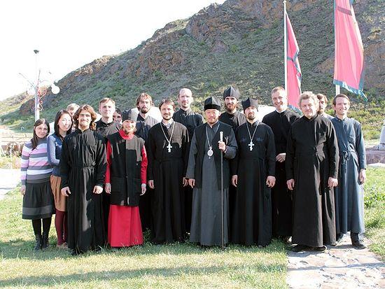 еп. Феофан с миссионерами, приехавшими на Пасху