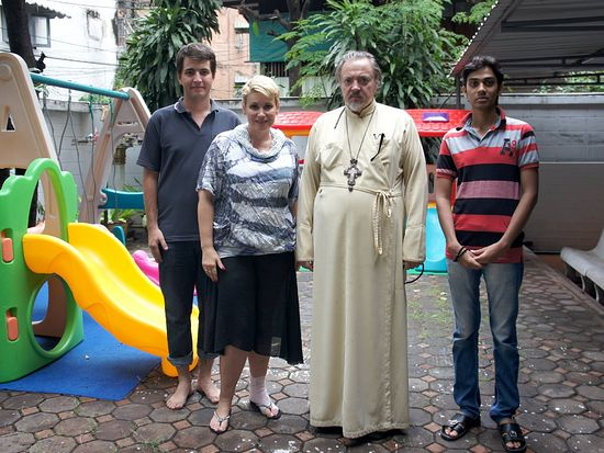 После молебна в новом русскоязычном детском саде в Бангкоке