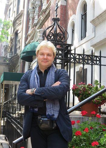 Андрис Лиепа в Нью-Йорке у Николаевского Патриаршего собора
