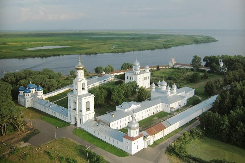 Свято-Юрьев мужской монастырь. 28 июля 2011 года  Фото: Михаил и Екатерина