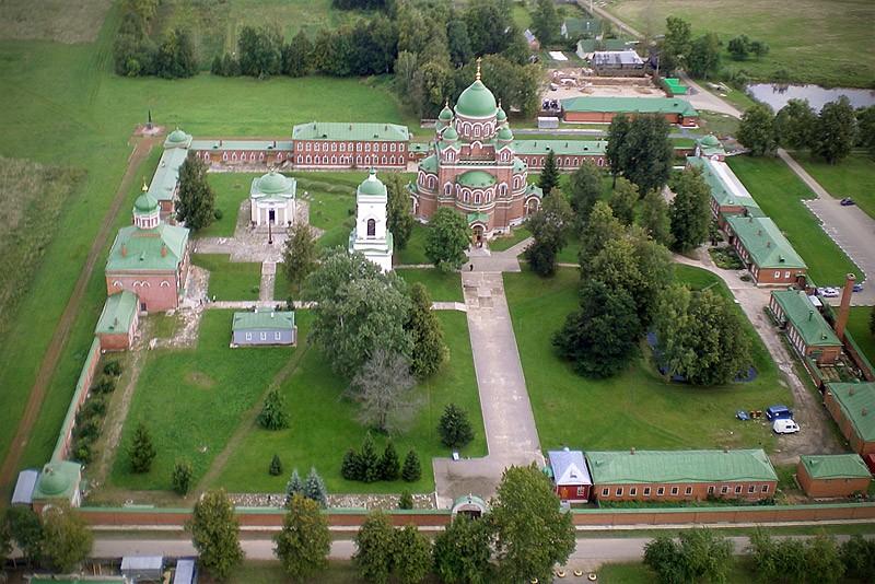 Спасо-Бородинский женский монастырь. 29 августа 2009 года  Фото: Михаил и Екатерина