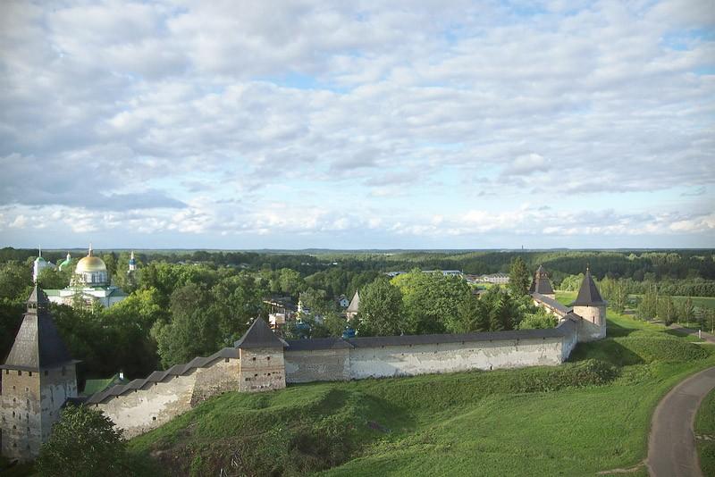 Свято-Успенский Псково-Печерский монастырь. 16 июля 2012 года  Фото: Михаил и Екатерина