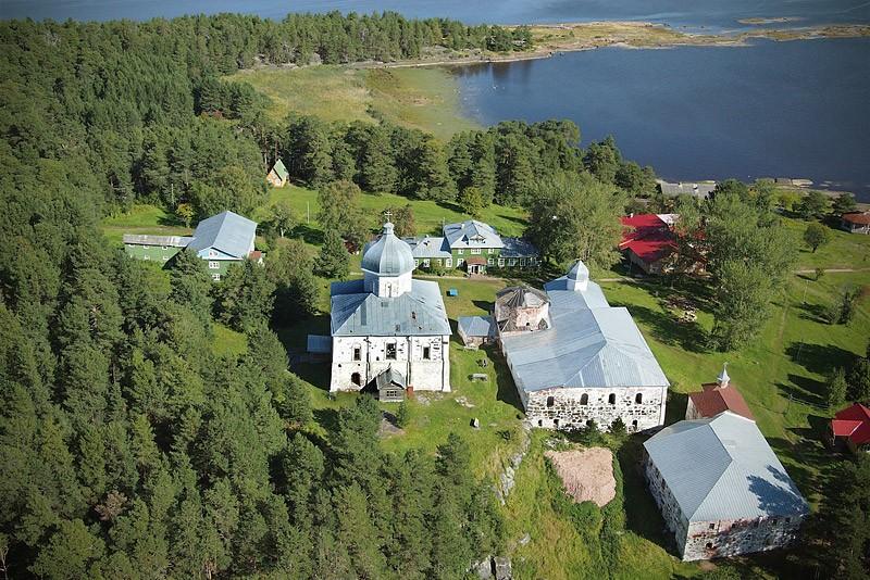 Онежский Крестный монастырь на о. Кий. 26 августа 2012 года  Фото: Михаил и Екатерина
