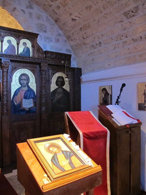 В храм был возвращен подлинный иконостас (хранился в монастыре в Прасквице).