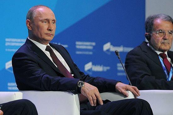 """Владимир Путин је учествовао у завршној пленарној седници међународног клуба за дискусије """"Валдај""""."""
