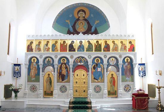 Общий вид иконостаса в храме св. вмч. Екатерины в Риме