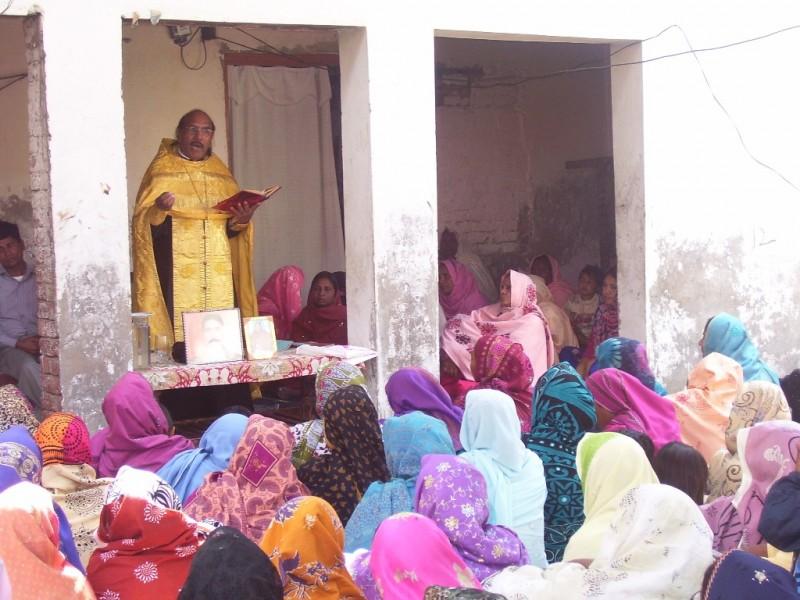Проповедь во время литургии, Пакистан. Иерей Иоанн Танвеер