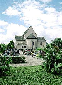 Католическая церковь св. Трофима в Эшо близ Страсбурга, в которой вновь с 1938 года почивают мощи святой мученицы Софии, матери свв. мцц. Веры, Надежды и Любови, пострадавших за Христа в правление императора Адриана (117-138)