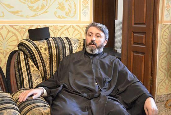 Священник Мирчета Шливанчанин