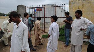 Христиане у церкви в Мехрабаде, бедном пригороде Исламабада. Фото AFP
