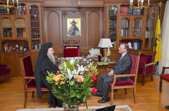 Джон Китмер с митрополитом Фессалоникийским Анфимом