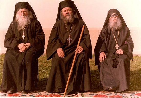 Архимандриты Клеопа (Илие), Викторин (Оанеле) и Паисий (Олару)
