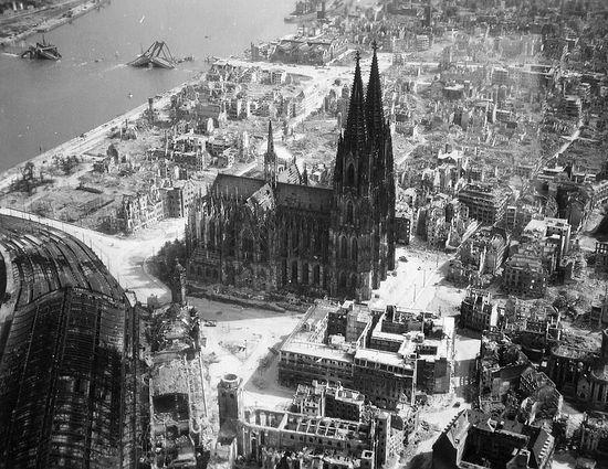 Кёльнский собор во время Второй мировой войны