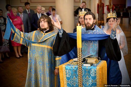 Венчание. Фото: А.Поспелов / Православие.Ru
