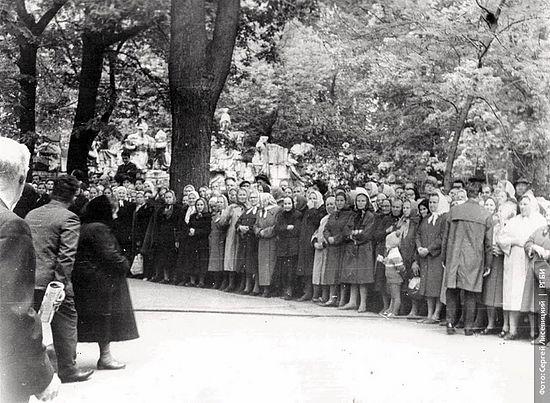 В Донском монастыре. 29 мая 1968 г. Фото: С.Н. Лисевицкий