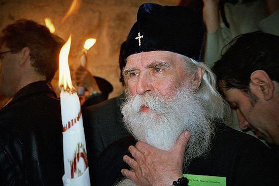 Митрополит Питирим на схождении Благодатного Огня