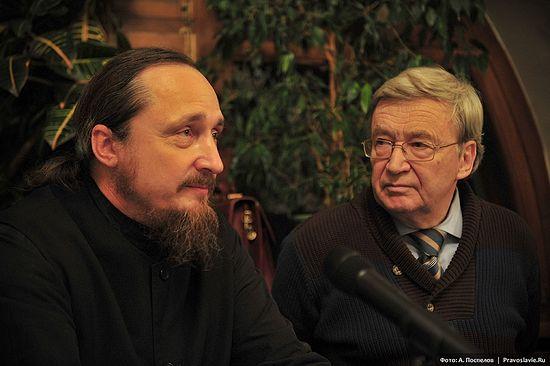 Иеромонах Павел (Щербачёв) и Рустем Хаиров. Фото: А. Поспелов / Православие.Ru