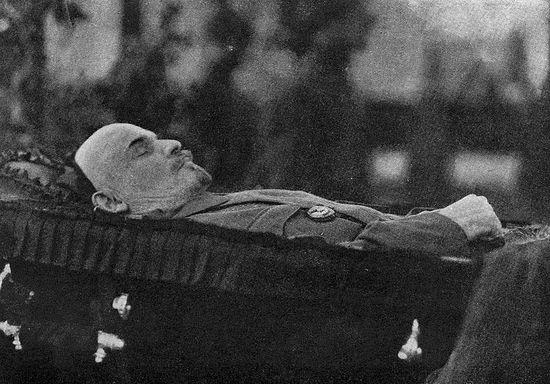 Тело Ленина в Доме Союзов