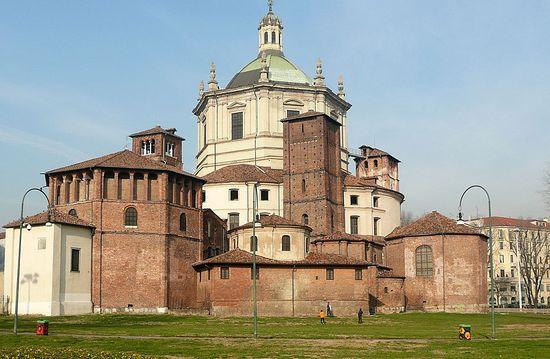 Милан, храм святого мученика Лаврентия (Basilica di San Lorenzo)