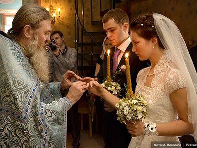 Протоиерей Владислав Цыпин: «Венчание должно следовать за гражданской регистрацией»