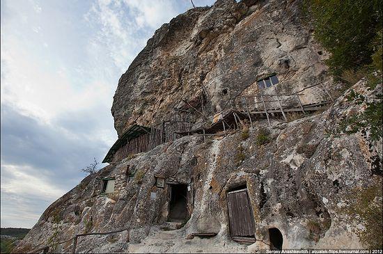 Пещерный монастырь Шулдан в Крыму. Фото: С. Анашкевич