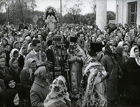 Богослужение в Введенском храме села Спирово. 25 мая 1965 г.